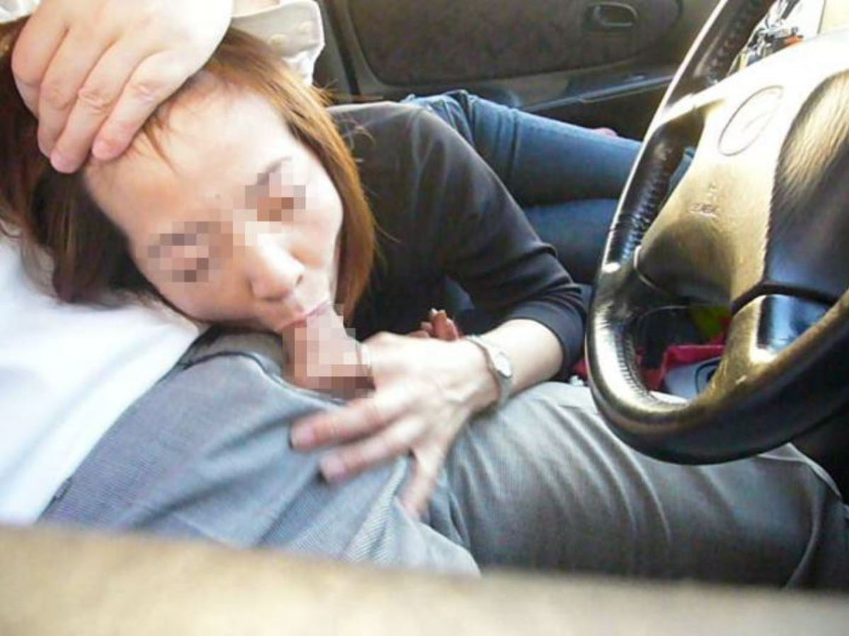 car_interior-fellatio-2281-020
