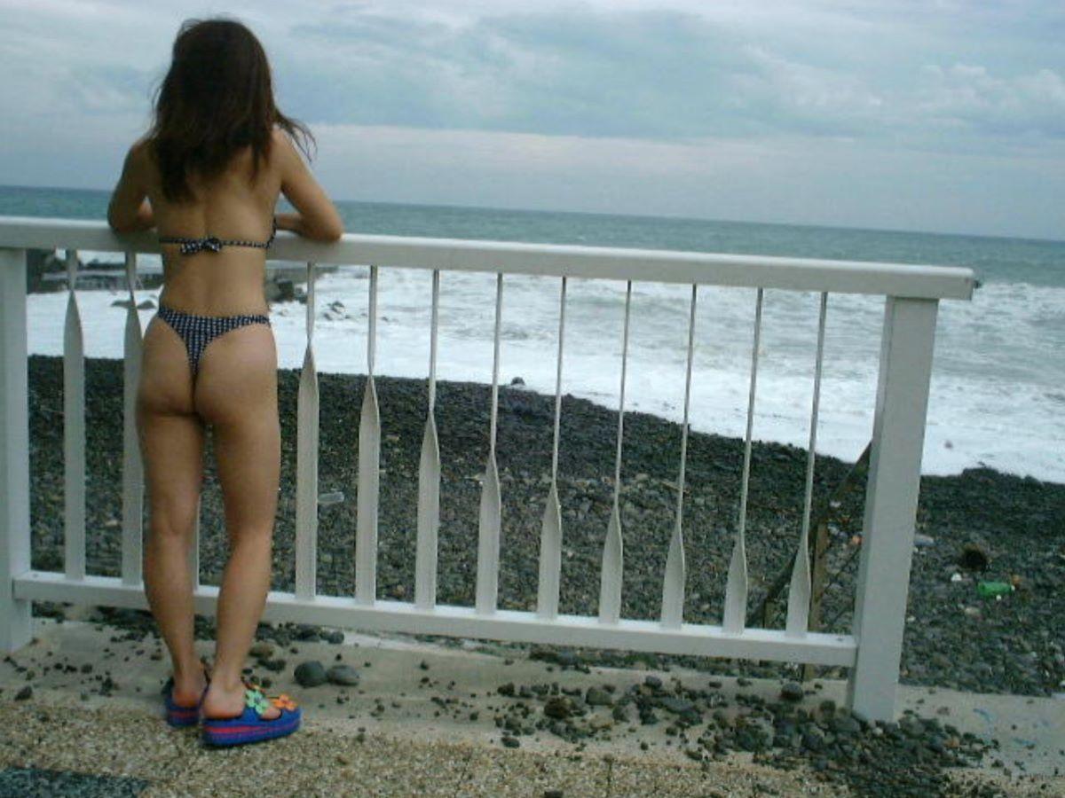 milf_micro_bikini-3692-016