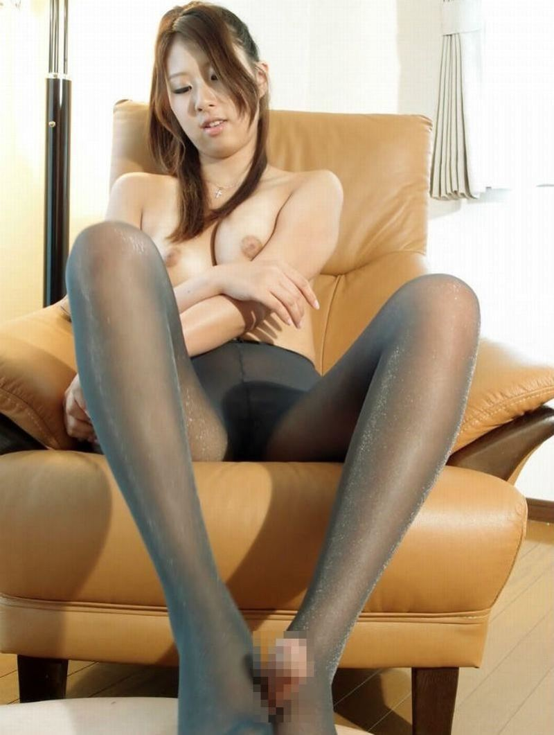 pantyhose_foot_job-2129-036