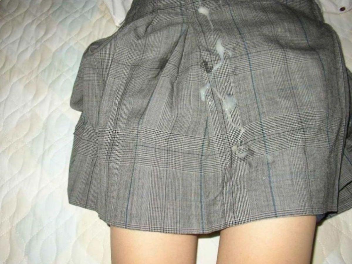 clothes_ejaculation-3854-010