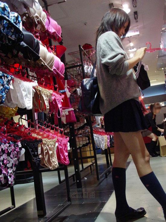 Underwear-ero-image17