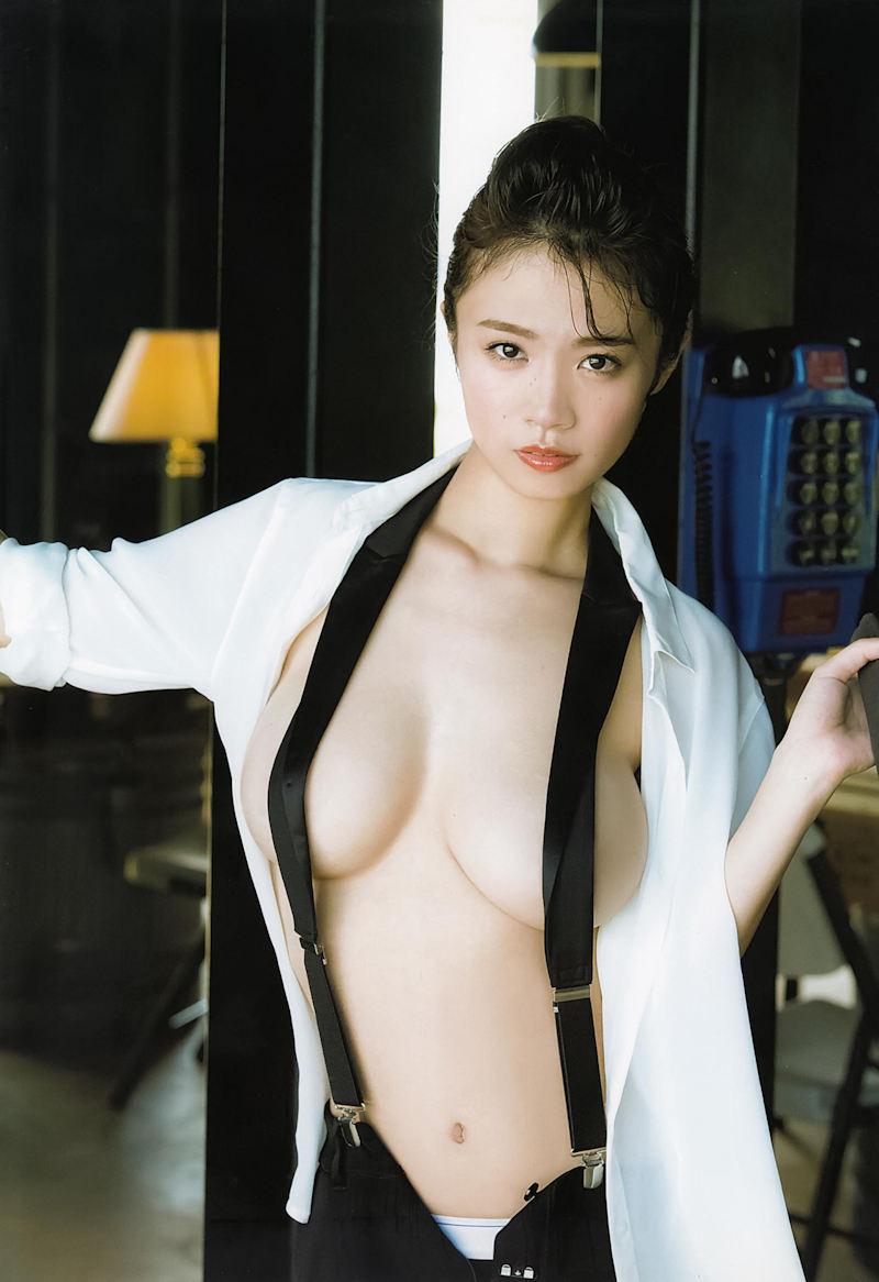 乳首 見え ポロリ画像】ブラジャー付けてても乳首見えてるならブラジャー ...