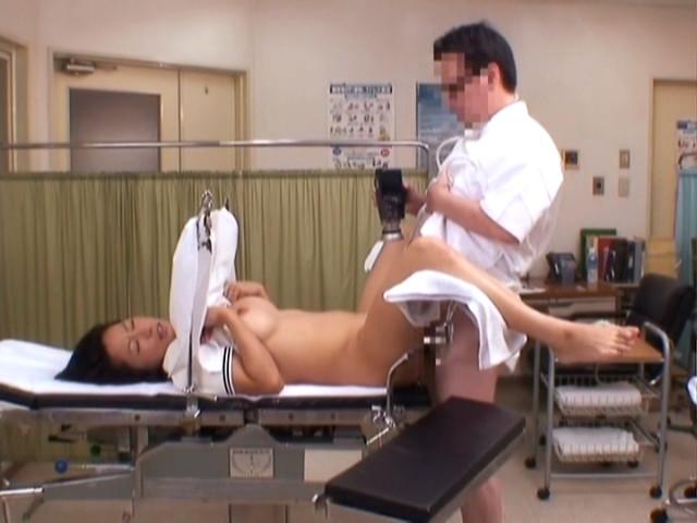 セクハラ産婦人科エロ画像10