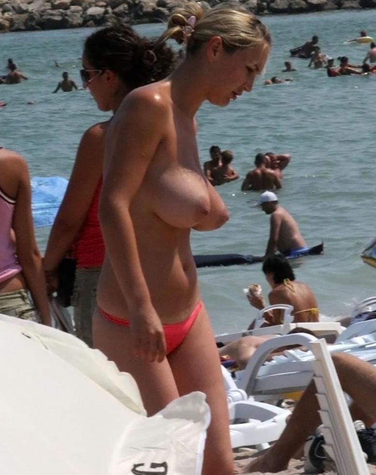 海外素人ヌーディストビーチエロ画像20