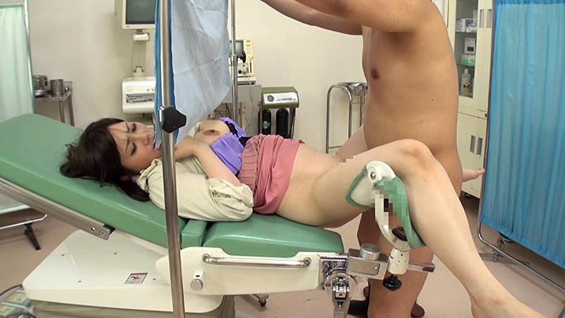 セクハラ産婦人科エロ画像01