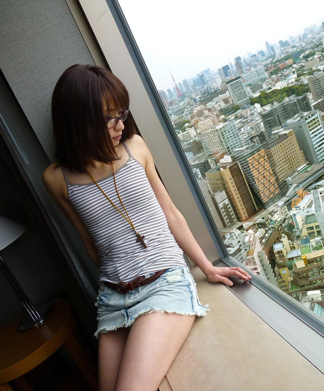 セクシーメガネ美女エロ画像01