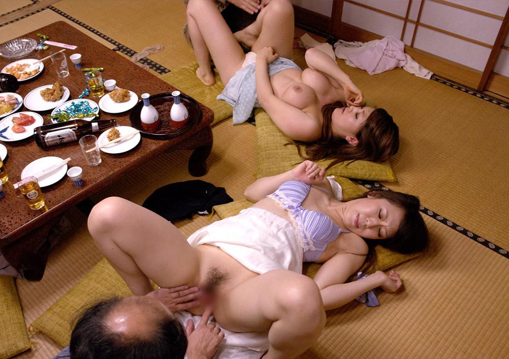 美熟女乱交エロ画像02