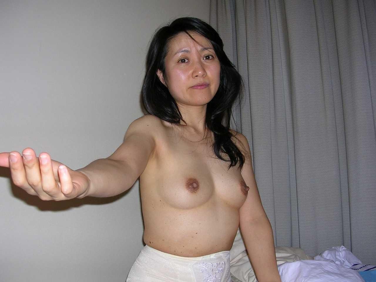 本格素人熟女エロ画像05