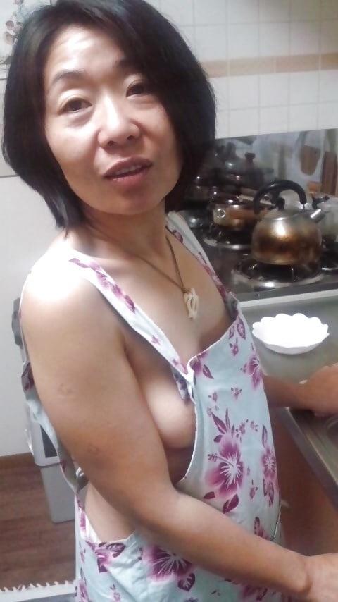 本格素人熟女エロ画像18