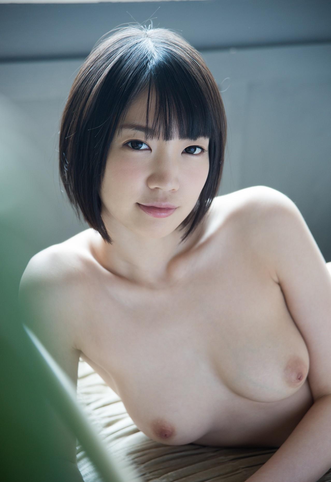 清純美少女おっぱいエロ画像。詳細は以下に記載します。