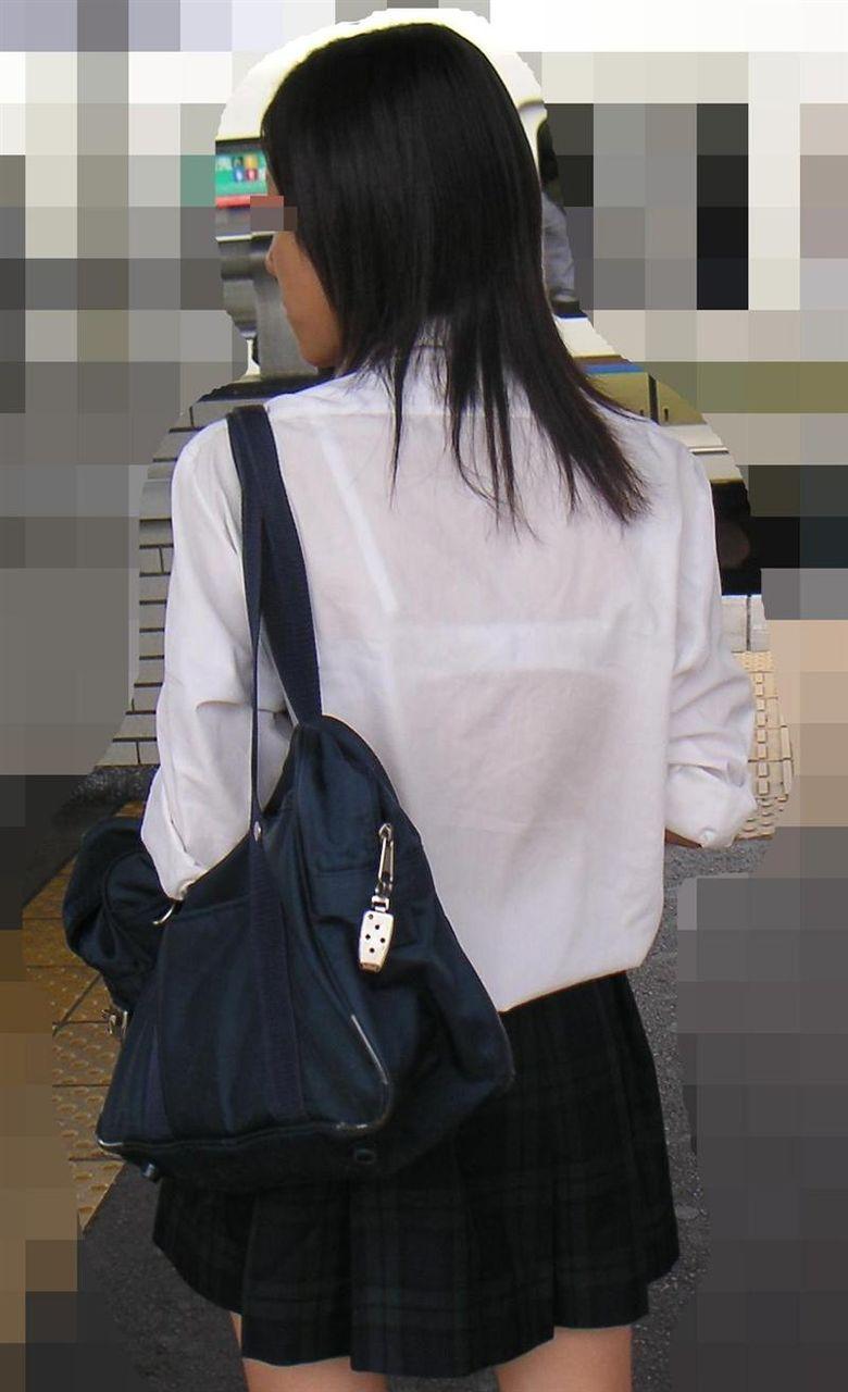 JKブラジャー透けエロ画像