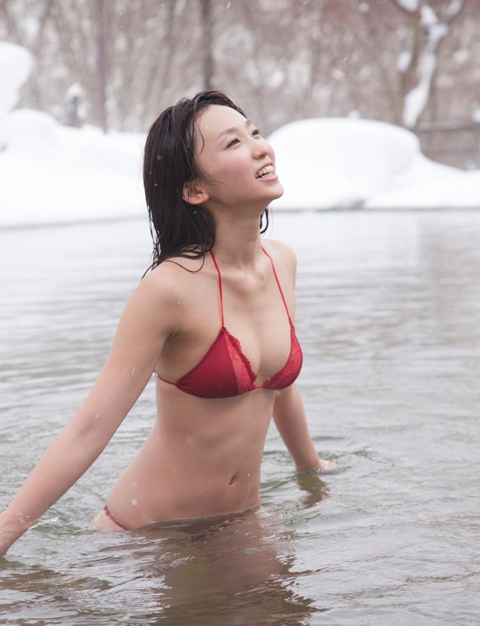 吉木りさ露天風呂エロ画像