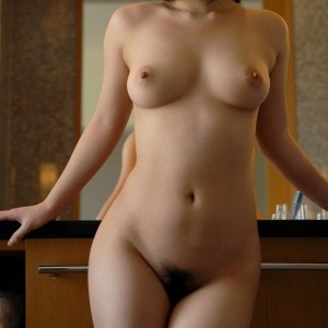 全裸ヌード美巨乳おっぱいエロ画像