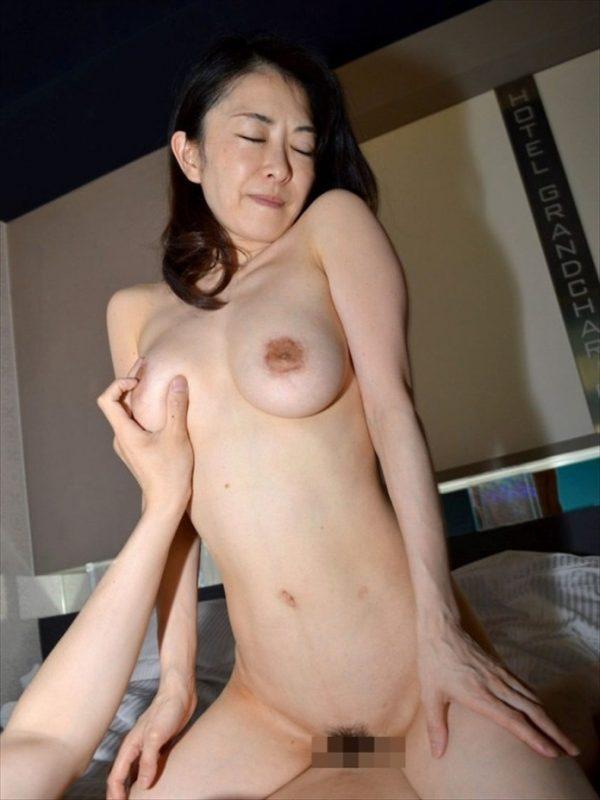 美魔女美熟女セックスエロ画像