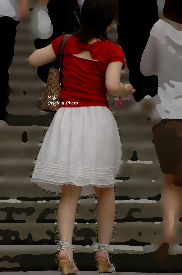 スカート透けパンティーエロ画像