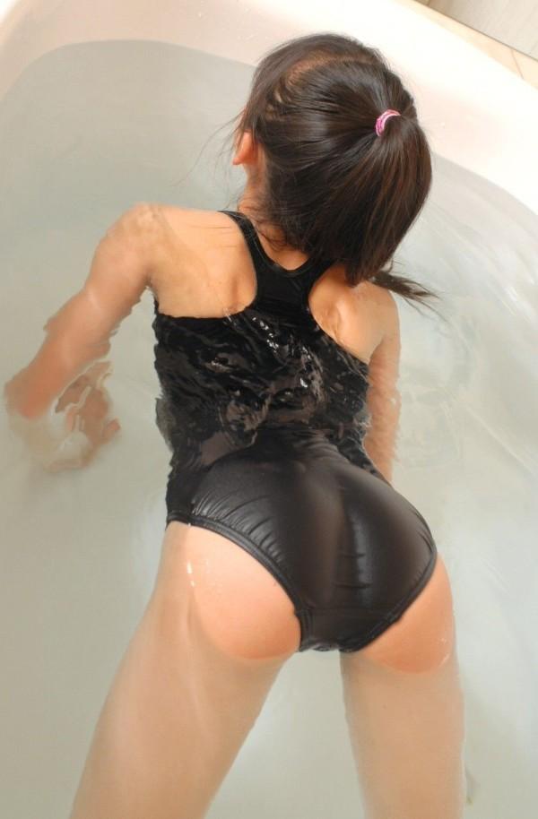 スク水でレベルがアップするエロエロおしり画像w