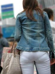 パンツやスカードから浮き出てくるパンティラインがモロパンよりもそそる件ww
